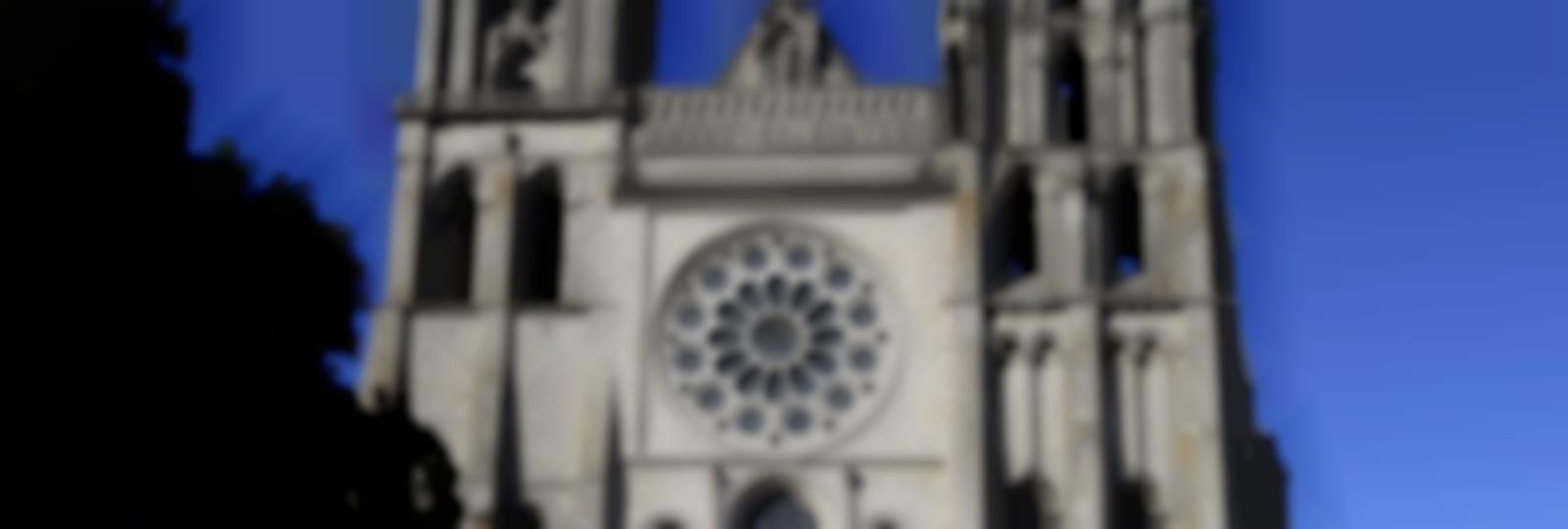 Cathédrale de Chartres, façade occidentale et parvis