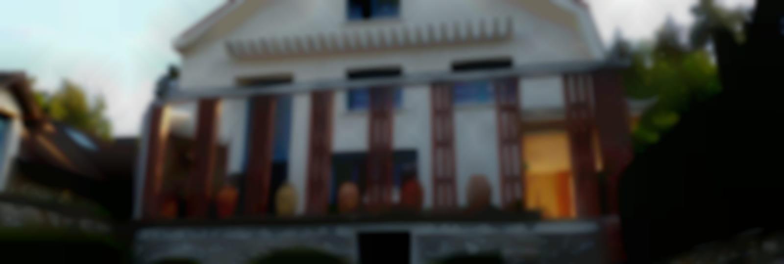Villa façade jardin